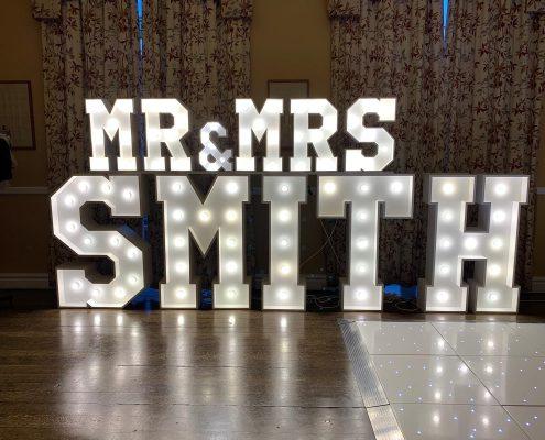 Mini Mr & Mrs